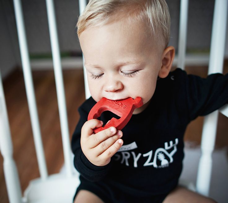 Gryzak MR B z naturalnego kauczuku | Natural rubber teether MRB  #lullalove #teether #wood #eco-friendly #hevea #naturalrubber #mrb #supertoy #babyshower #gift