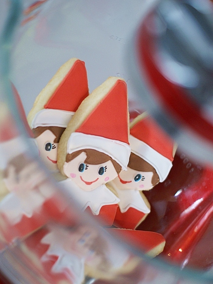 Elf on the Shelf Cookies! he's SOOO cute! via @bakeat350tweets