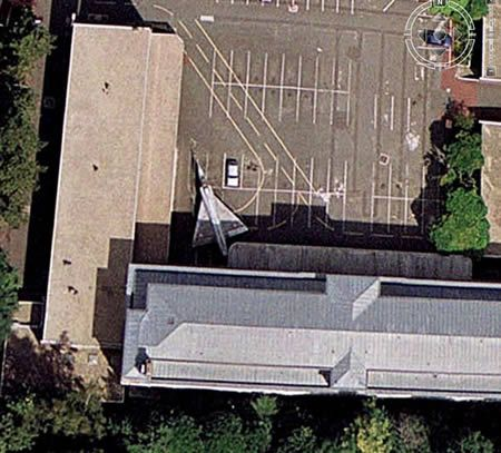 15 Coolest Google Earth Finds (funny google earth, funny google earth photos, cool google earth things) - ODDEE