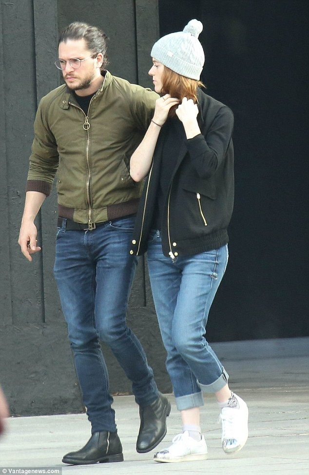Game Of Thrones' Kit Harington and Rose Leslie share romantic stroll