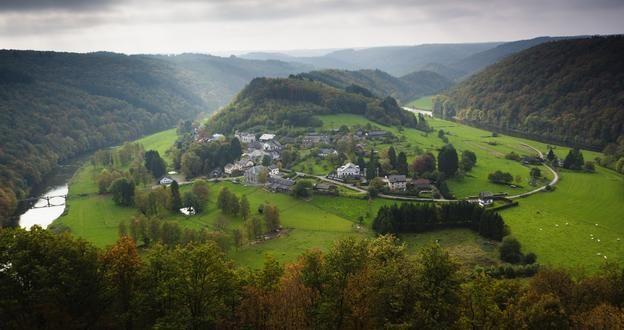 Deze foto verwijst naar Tom's eerste cm-kamp in de Ardennen, we komen de exacte plaats niet te weten. Citaat: A******* is een Ardens dorp, zo klein dat vele wegenkaarten het niet eens vermelden.