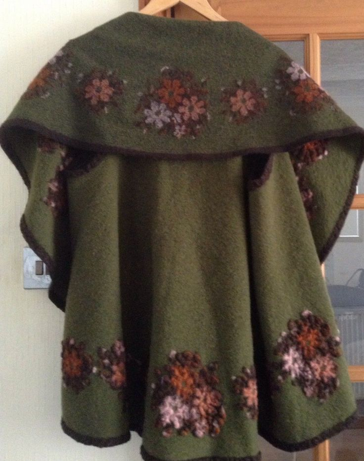 Ladies Cape Wih Felt Like Flowers in Green with Brown Edging in One Size | eBay