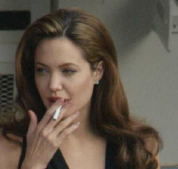 Celebrity Smokers: 129 pictures of VIPs who love a fag