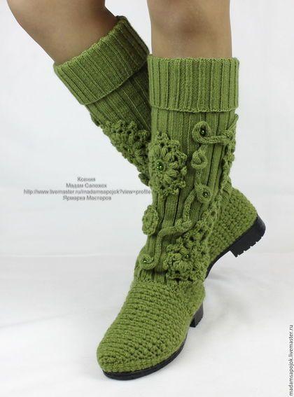 Купить или заказать Сапоги вязаные демисезонные в интернет-магазине на Ярмарке Мастеров. В НАЛИЧИИ 37 РАЗМЕР - готовая работа!!! Каждая из нас хочет выглядеть красиво и неповторимо, выделить свою индивидуальность необычным стилем... и привлекательной обувью. Я предлагаю новую модель сапог , которые необыкновенно красивы! Сапоги демисезонные (весна - осень) , в составе пряжи шерсть 50% . Очень удобные сапожки, внутри тёплая стелька 'меховушка' , вшит запятник. На заказ - любой размер!