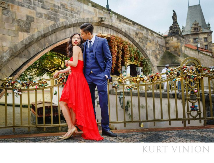 London wedding & Prague pre-weddings photographer - Prague Charles Bridge marriage proposal : destination pre wedding photos & a surprise marriage proposal in Prague featuring Rebecca & Frank  Our latest couple Rebecca and Frank hail from&nbsp,Shanghai, decided to have a photo session in&nbsp,Prague after traveling around Europe.&nbsp,Unbeknownst to Rebecca, Frank also had a surprise engagement ring –&nbsp,and what followed was a wedding proposal that was live streamed to the world…