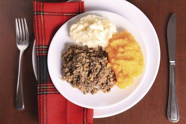 Mélange d'abats de mouton ou d'agneau assaisonnés puis fourrés dans la panse de l'animal, le haggis, plat national écossais, repousse celui ou celle qui n'a jamais osé y goûter. Et pourtant...