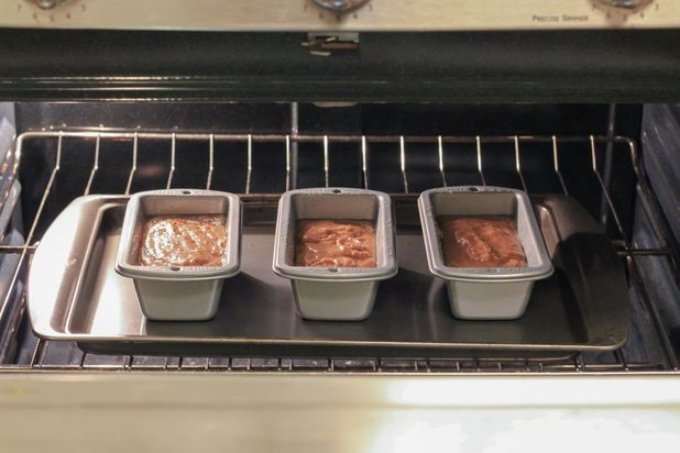 How to Bake in Mini Loaf Pans | eHow     How to take a recipe for a traditional 9-by-5 bread loaf pan into small loaf pans.