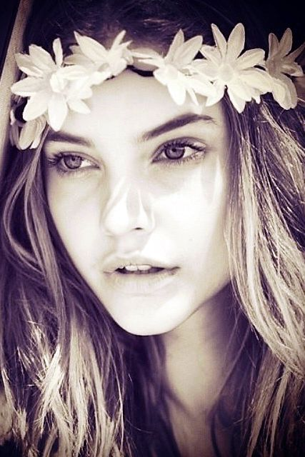 Barbara Palvin ♥ Love this close up shot and editing, i love the flower crown she has on!