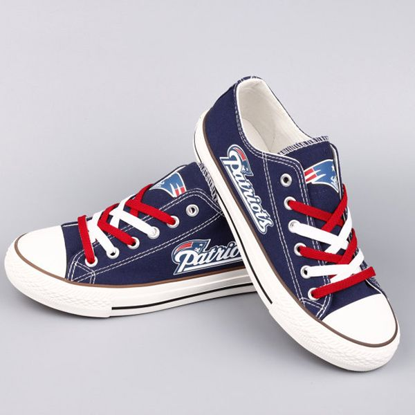 New England Patriots Converse Style Sneakers - http://cutesportsfan.com/new-england-patriots-designed-sneakers/