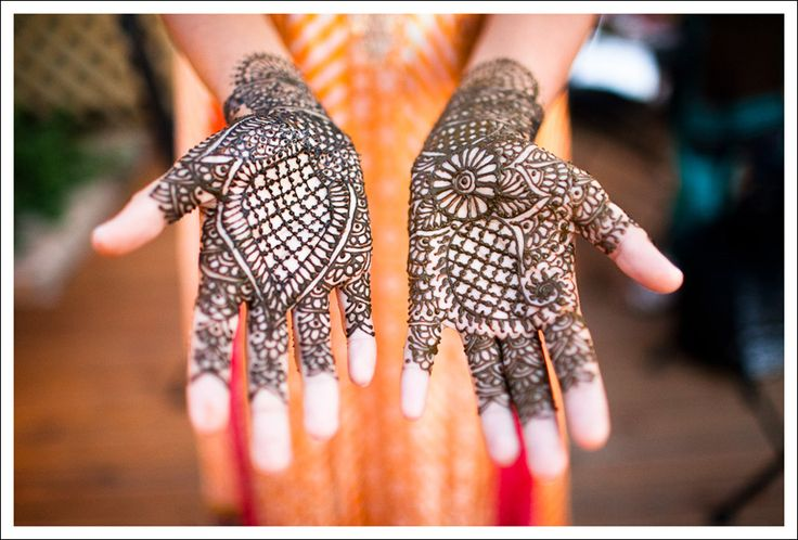 I used to have this done all the time to my hands and feet.      henna | picture by Eric Kotara Photography