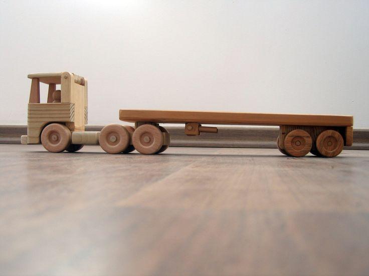 """Flavia o caminhão de madeira da cama lisa um brinquedo de madeira waldorf por TrickTruck Dimensões: cerca de 58 cm de comprimento, 9,5 cm de largura, 11 cm de altura (aproximadamente 22,5 """"x 3.75"""" x 4.25 . """") $95"""