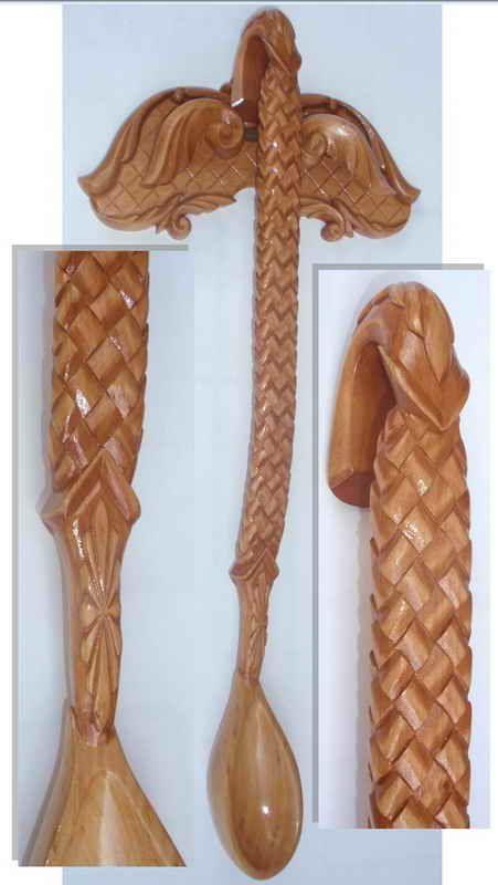 Виктор Мартынюк - Ложка с вешалкой - ольха, Морилка, лак, Длина 53 см. Вешалка 23 х 11,5 см