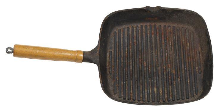 Como remover gordura queimada de panelas de ferro fundido