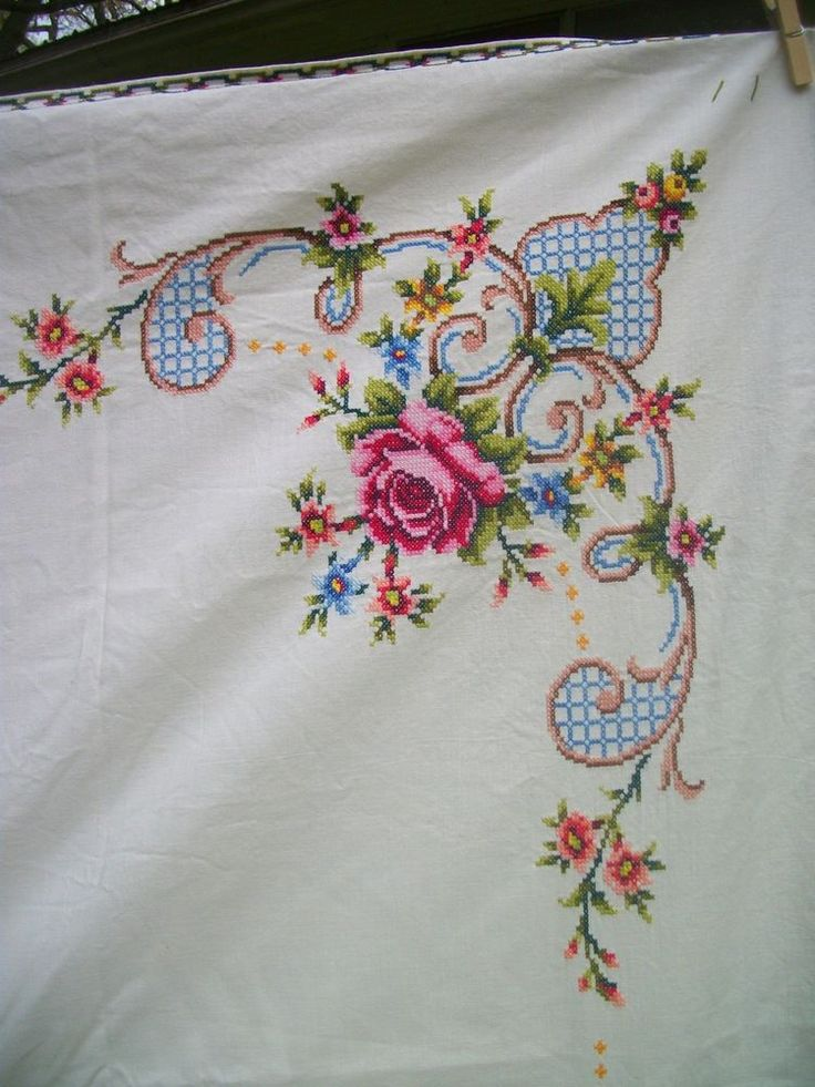 Vintage Hand Embroidery Rose Bouquets Tablecloth Shabby French Bed Coverlet