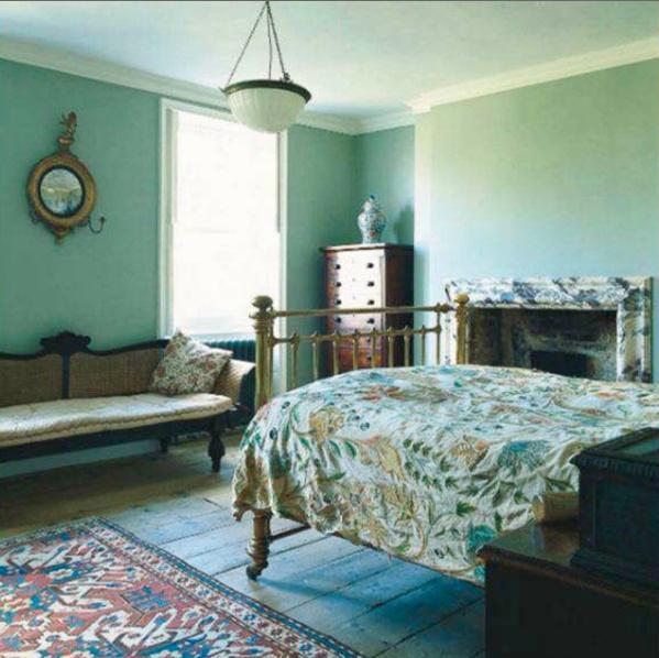 Calming Bedroom: Home Design & Architecture