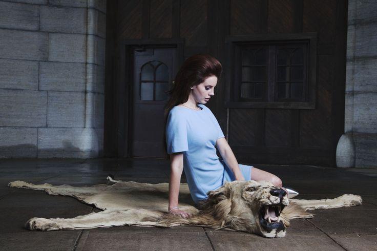 naomishon:    Lana Del Rey & lion, on set of National Anthem ©Naomi Shon Photography