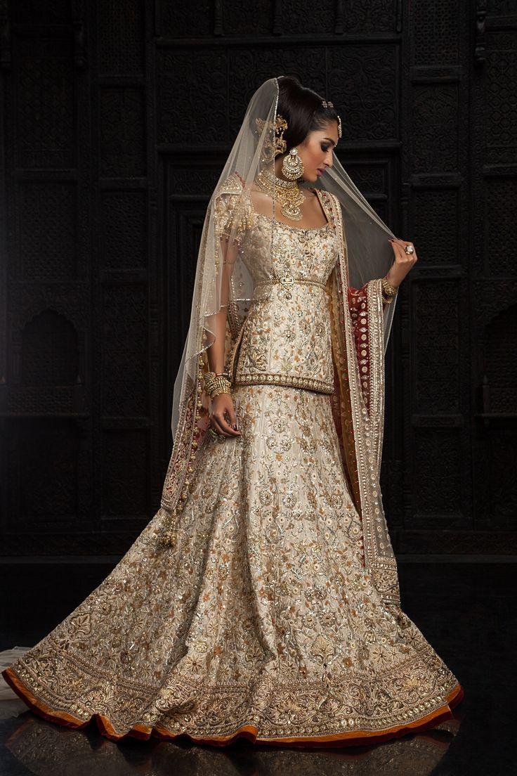 Tarun Tahiliani lengha for India Bridal Fashion Week 2014