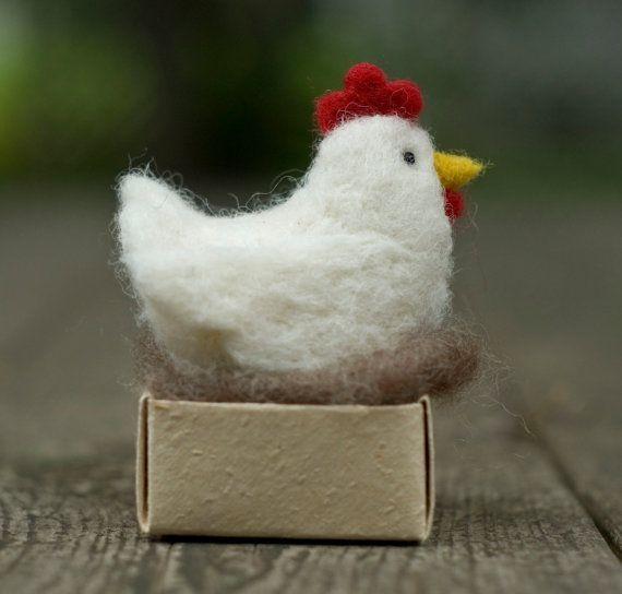 Aguja de fieltro pollo gallina con huevo por scratchcraft en Etsy