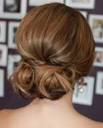 Znalezione obrazy dla zapytania fryzura na wesele upięcie