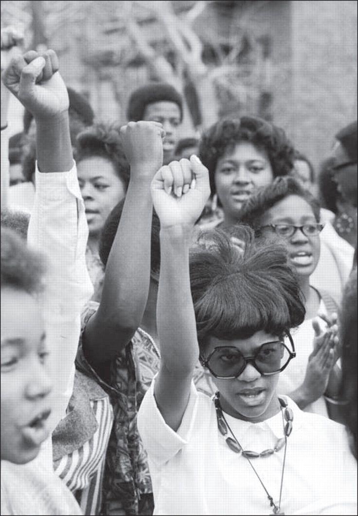 Black power. Women's movement. Afro americanos, Black is
