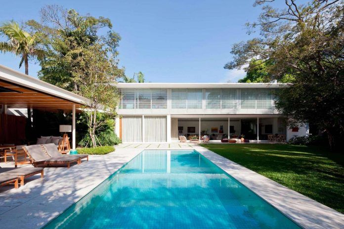 Jacobsen Arquitetura designed a modern house for a contemporary lifestyle - CAANdesign | Architecture and home design blog