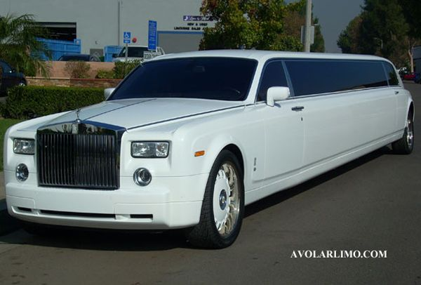 White Rolls Royce Phantom Limo  DonnaMorganEngagedWww.diamondlimousines.ca #DonnaMorganEngaged