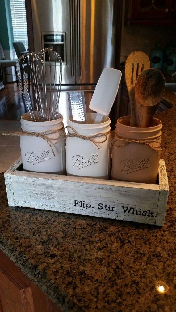 C'est le moyen idéal pour afficher vos ustensiles de cuisine d'une façon charmante, amusante! Ceux-ci font des cadeaux de pendaison de crémaillère parfaite, et je suis heureux d'emballage cadeaux aussi bien! Je peux faire des bocaux ou boîte de couleur et peut personnaliser
