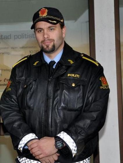 VYO 6 (MCLeather 3) Tags: man hot sexy male guy leather masculine manly hunk guys guapo officer hombre pelle leder policia policeman leathered polizia cuero polizist cuir милиция policie kůže полицейский