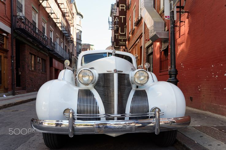 Freedom Trail, Prince Street, Cadillac Oldtimer, Boston, United States