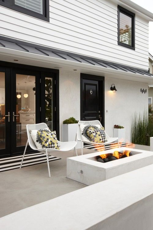 modern + classic black and white home // Peninsula Point residence, CA. Eric Aust Architect.