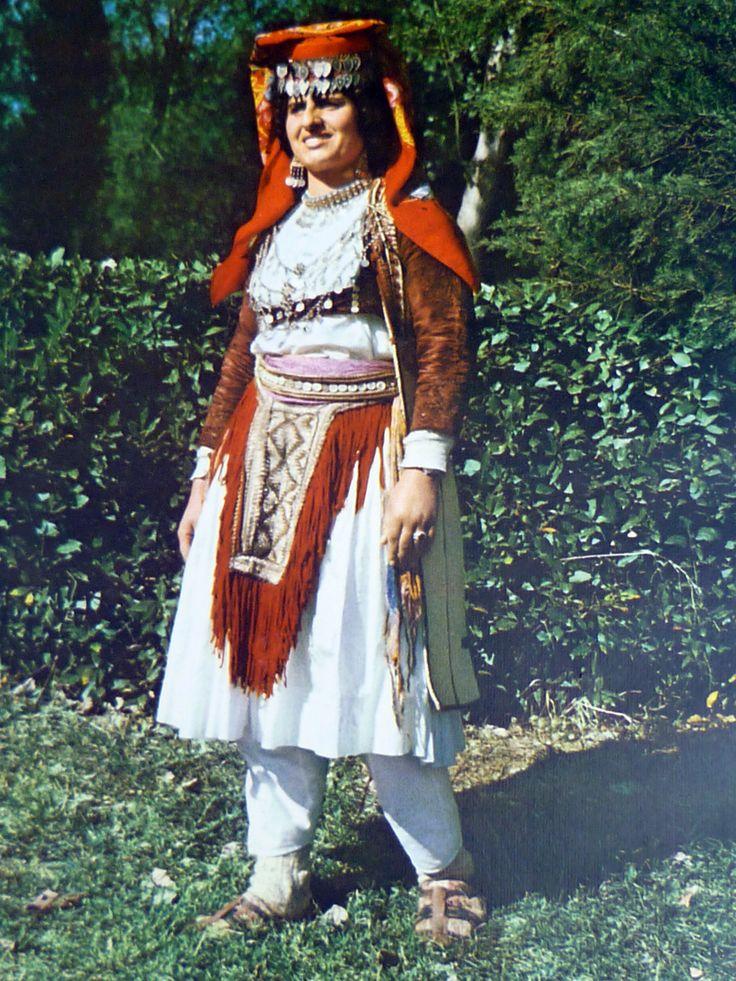 veshje-gruaje-mirdite | Albania | Pinterest | Albania