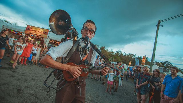 woodford Flok Festival https://www.flickr.com/photos/camilohernandezm/16177594981/