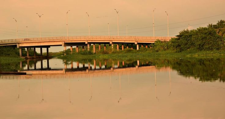 Puente   #SinFiltros #Barranquilla #COLOMBIA #atlantico #nikon_photography #nikon #ig_colombia #ig_latinoamerica #ig_latinoamerica_ #igworldclub #photographer #colombiainsider #colombiagrafia #igersbarranquilla  #igerscolombia #idColombia  #ig_barranquilla_ #ig_barranquilla #ig_masterpiece #ig_captures #ig_all_americas #framework #igworldclub_creative  #instagramersofthemonth_december