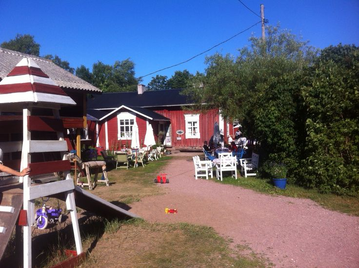 Farmors Cafe Högsåra is place where your mind rests and you can feel the spirit of archipelago of Turku