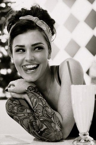 Rock 'n roll / pinup beauty... great full sleeve tattoo, perfect smile,