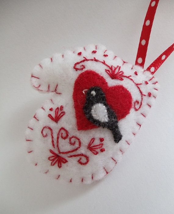 mittenMittens Felt, Mittens Ornaments, Felt Crafts, Adorable Felt, Felt Ornaments, Christmas Holiday, Christmas Ornaments, Felt Mittens, Miniatures Mittens