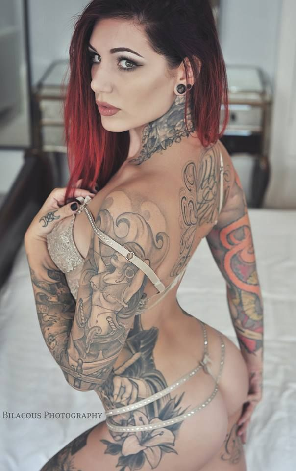 "altmodelgirlcrush: ""Cervena Fox by @bilacousphotography """