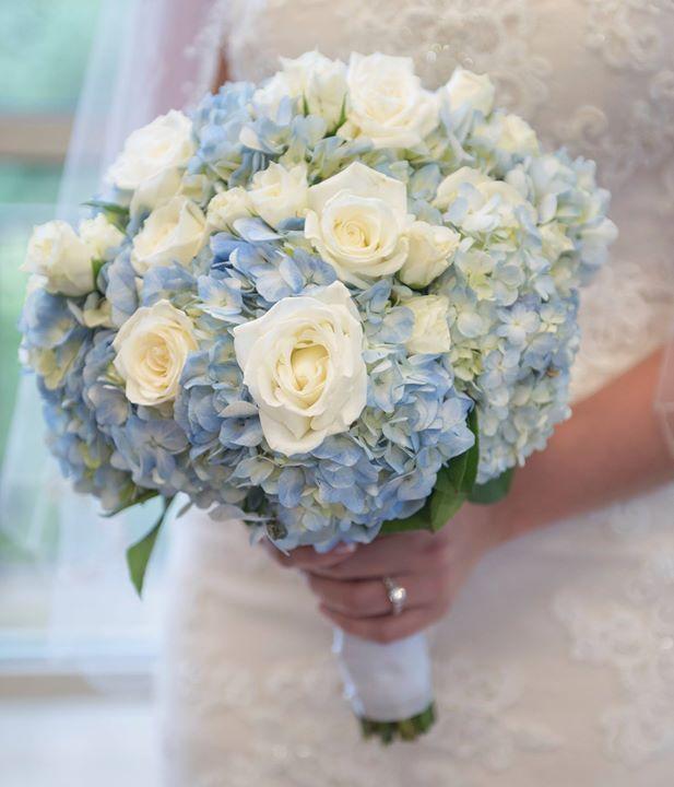Light Blue Hydrangeas And White Roses Bride S Bouquet Bridesbouquet Blue Candicebrownphoto White Spray Roses Blue Flowers Bouquet Blue Hydrangea Bouquet