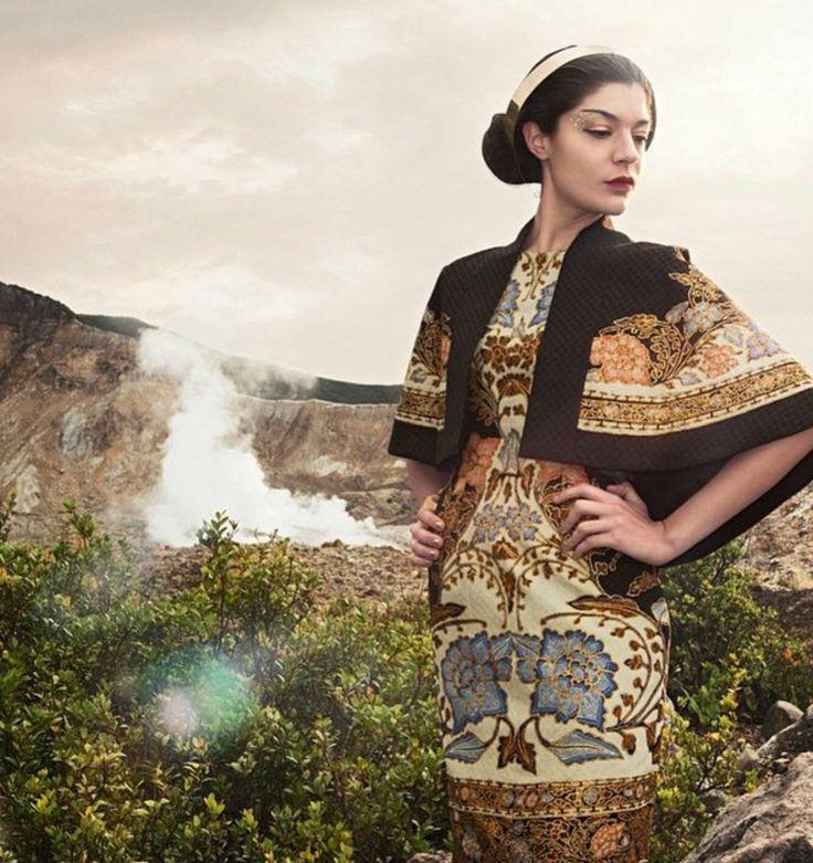 cantiknya batik Iwan Tirta