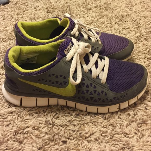 Nike tennis shoes Purple and green Nike tennis shoes. Size 6.5 Nike Shoes Sneakers