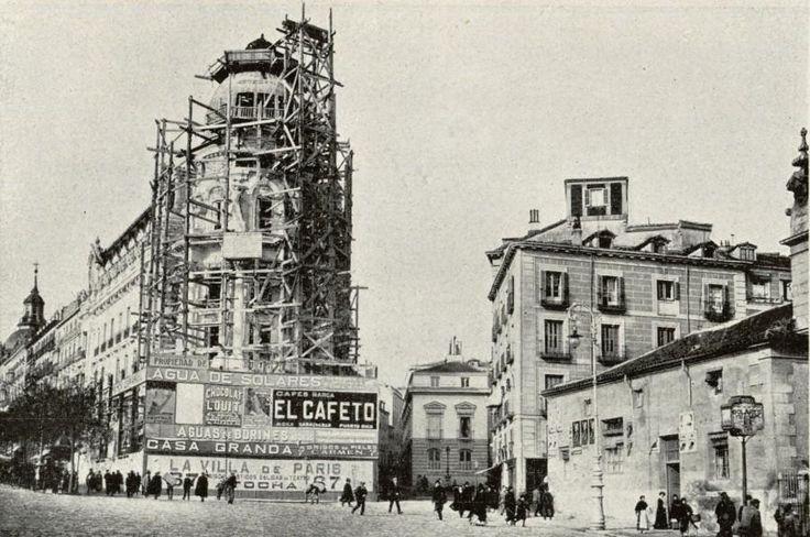 Construcción del Edificio Metrópolis. 24 de Febrero de 1910. Foto Campúa. Hemeroteca Municipal, Madrid.