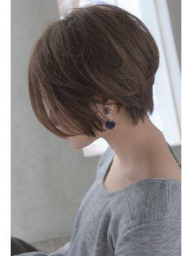 大人綺麗なショートヘア 【セミウェット、パーソナルカラー】 - 24時間いつでもWEB予約OK!ヘアスタイル10万点以上掲載!お気に入りの髪型、人気のヘアスタイルを探すならKirei Style[キレイスタイル]で。