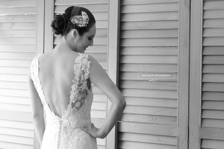 Auckland Wedding: backless lace dress