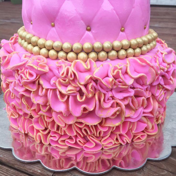 Fruit Cake | Strawberry fillings | Covered with vanilla heavy whipping cream | Sponge Cakes | Cake | Wedding cake | Bridal Shower | Cake | Birthday Cake | half sheet cake | Hmong | Asian Cakes | Princess Cake | Pink | Gold | Ruffles