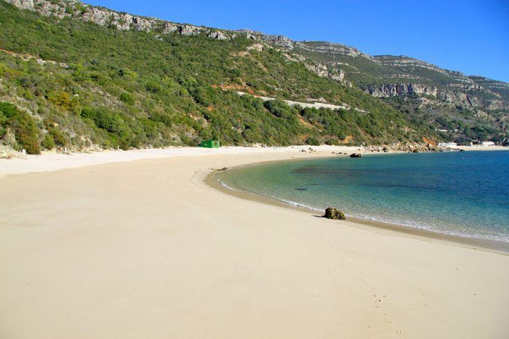 la mejor playa de europa est en la regin de lisboa https