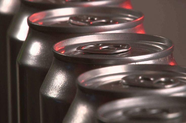 Aluminum can sustains position because so many sustainable drink container