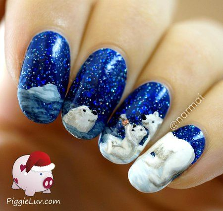 CocaCola polar bears . this is the most beautiful nail art I have ever seen!!!!! OMGGGGG!. love the bears :)