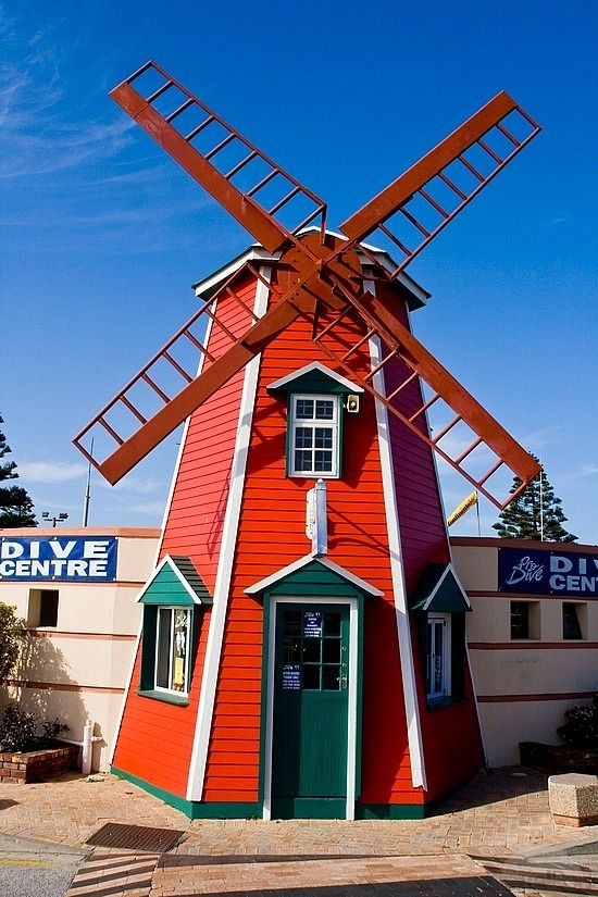 The Red Windmill @ Port Elizabeth by TravelPod Member Saraphilo ... click to see full size!