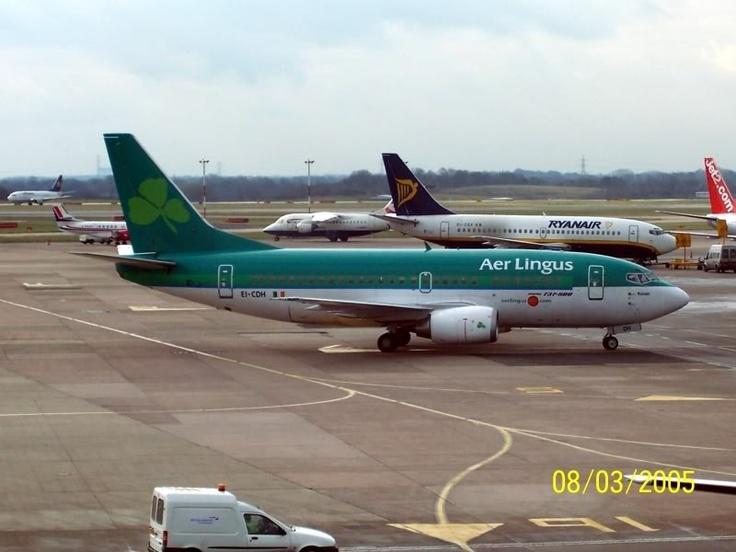 Aer Lingus 737 at Manchester.