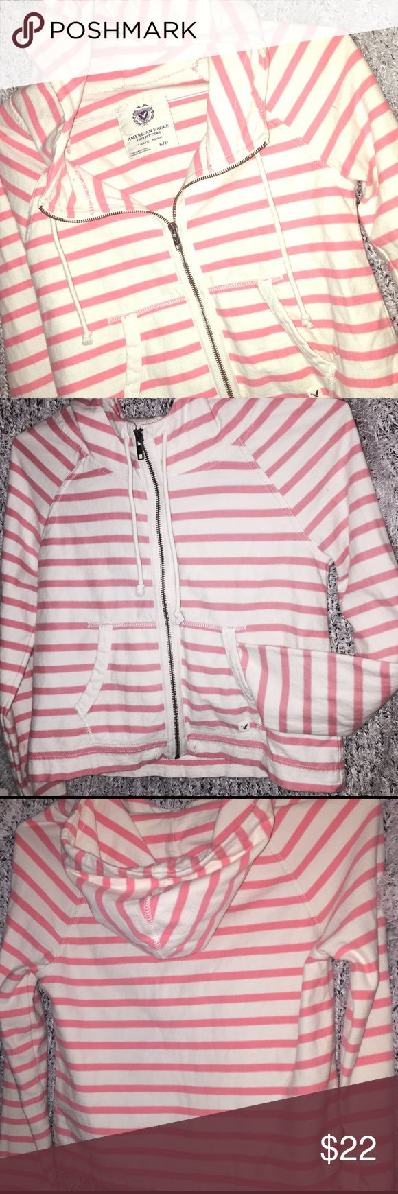 American Eagle Outfitters hoodie Size small petite American Outfitters white and pink hoodie sweater. American Eagle Outfitters Sweaters